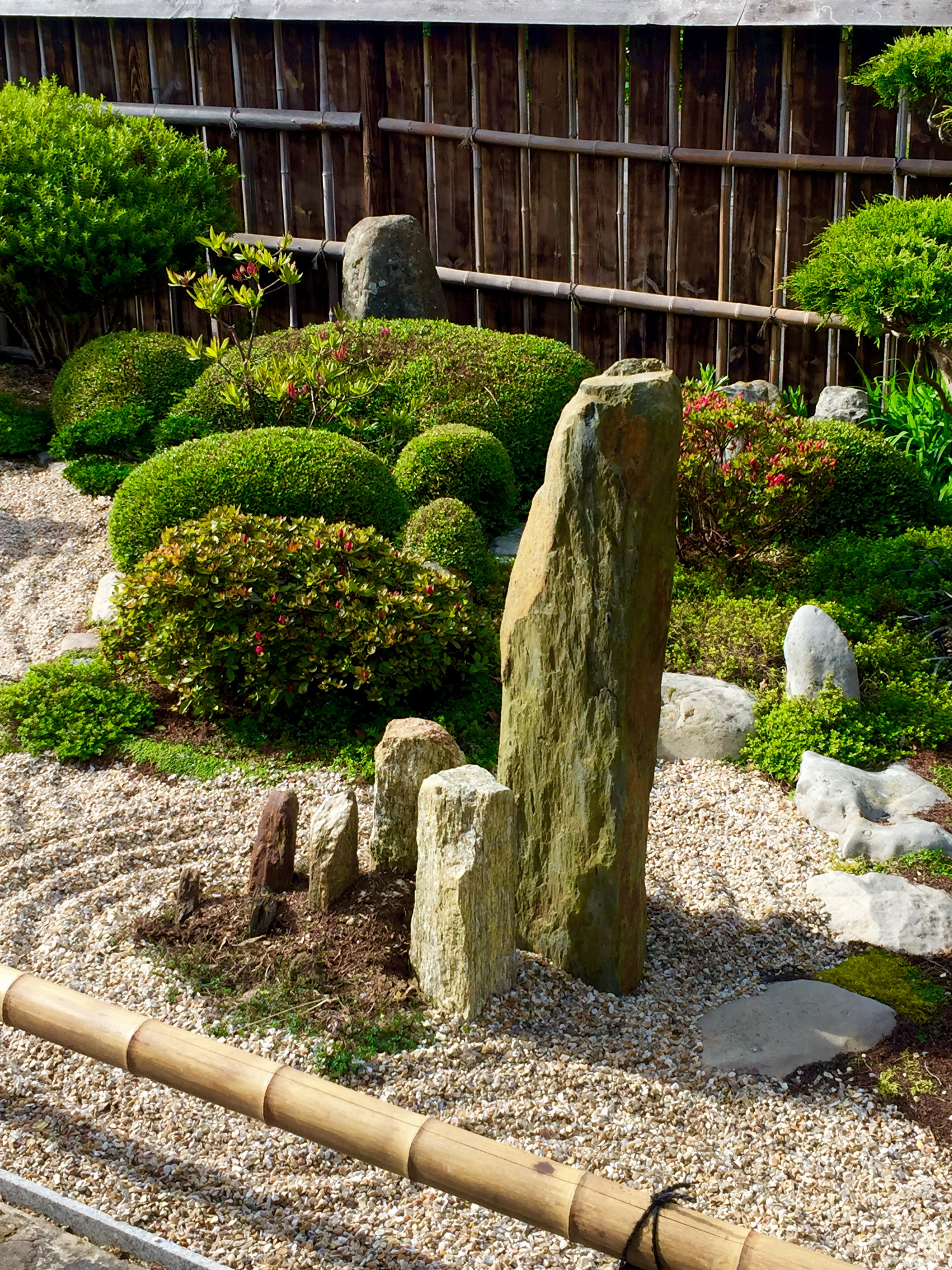 esprit zen le raffinement et l 39 harmonie dans votre jardin. Black Bedroom Furniture Sets. Home Design Ideas